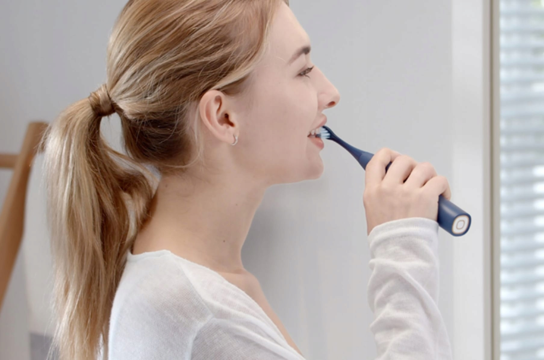 SonicX PRO Toothbrush: Clean Your Teeth the Right Way!